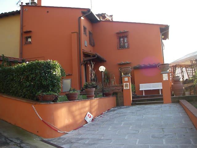 TOSCANA- casa vacanza saccuccio - San Miniato
