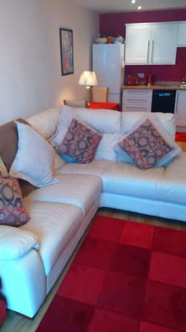 Superb 1 double/1 single bed flat - Kettering - Apartament