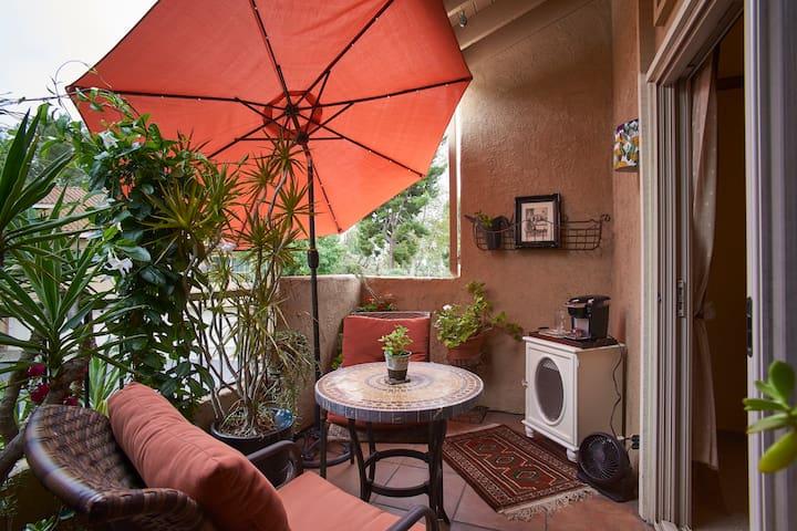 Unique Suite: 2 Bedrooms/Full Bath/Balcony Deck - Mission Viejo