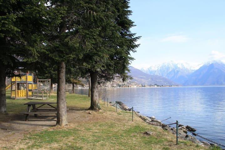 Room 2  on the Como Lake - Gravedona ed Uniti